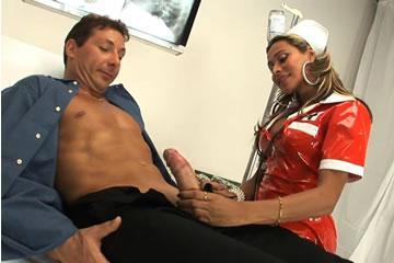 Alessandra Toledo - nővérke szex